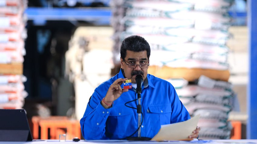 Photo of Maduro presentó tarjeta de débito para facilitar pagos en divisas