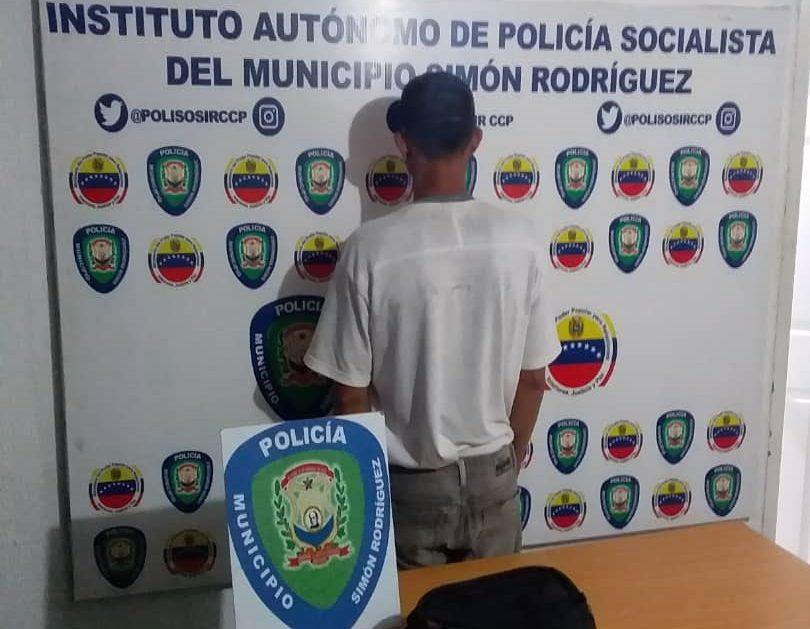 Photo of Detenido joven por hurto en las adyacencias del Mercado Municipal