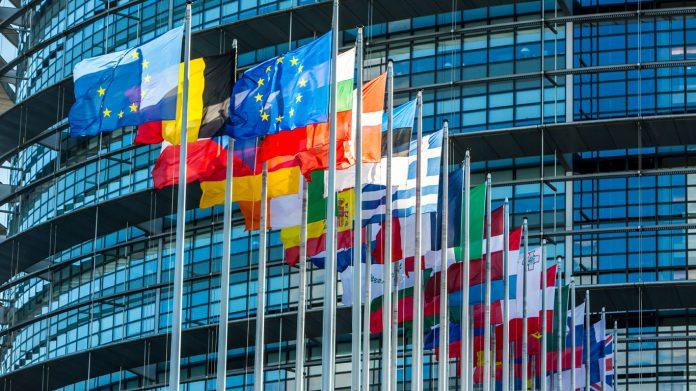 Photo of UE sancionó a 19 funcionarios de la administración de Nicolás Maduro