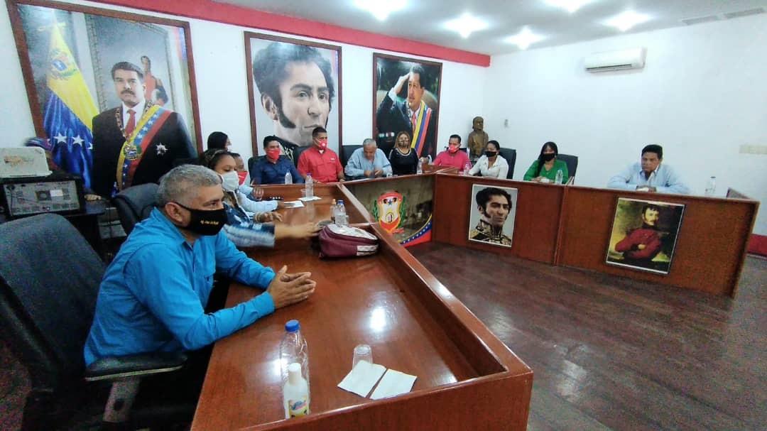 Photo of Concejales Simón Rodríguez solicitaron la destitución del director de Tránsito Municipal