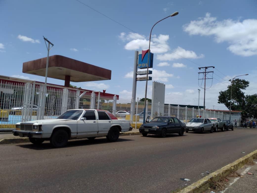 Photo of Habilitarán 71 estaciones de servicio para garantizar combustible al sector transporte