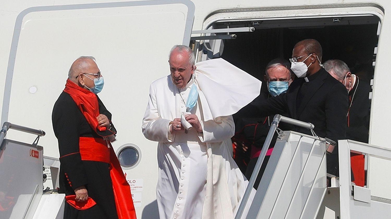 Photo of El Papa visita Irak, el primer pontífice en hacerlo