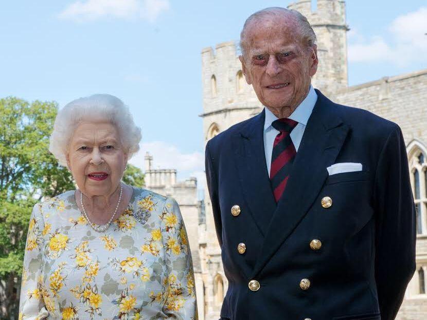 Photo of Murió a los 99 años el príncipe Felipe esposo de la reina Isabel II