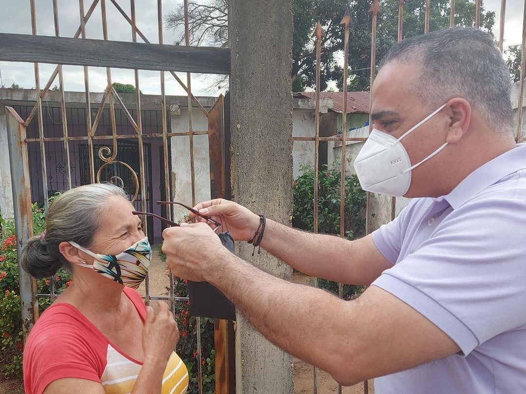 Photo of Raydan realizó jornada de entrega de lentes de casos urgentes