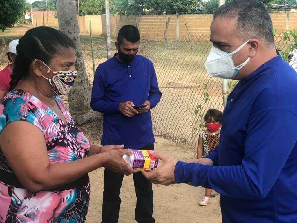 Photo of Raydán continuó entrega de medicamentos en sectores de El Tigre