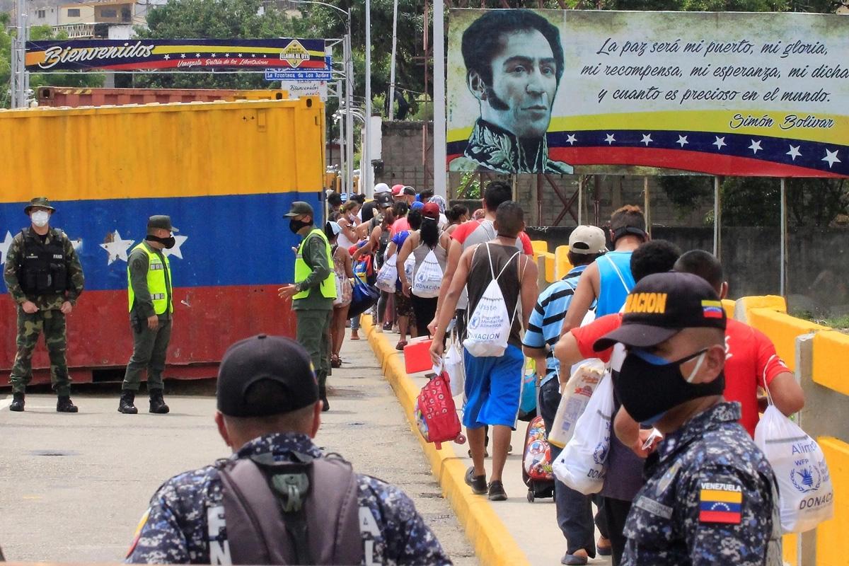 Photo of Más de 380.000 venezolanos se acogen al Estatuto Temporal de Protección de Colombia